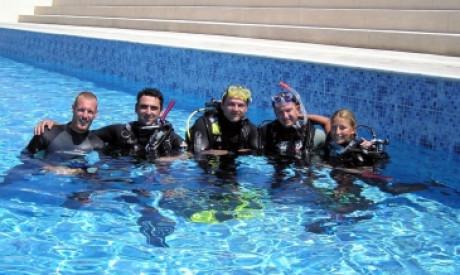 Discover Scuba Diving - (pool dive)