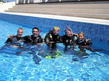 Discover Scuba Diving - (pool dive)